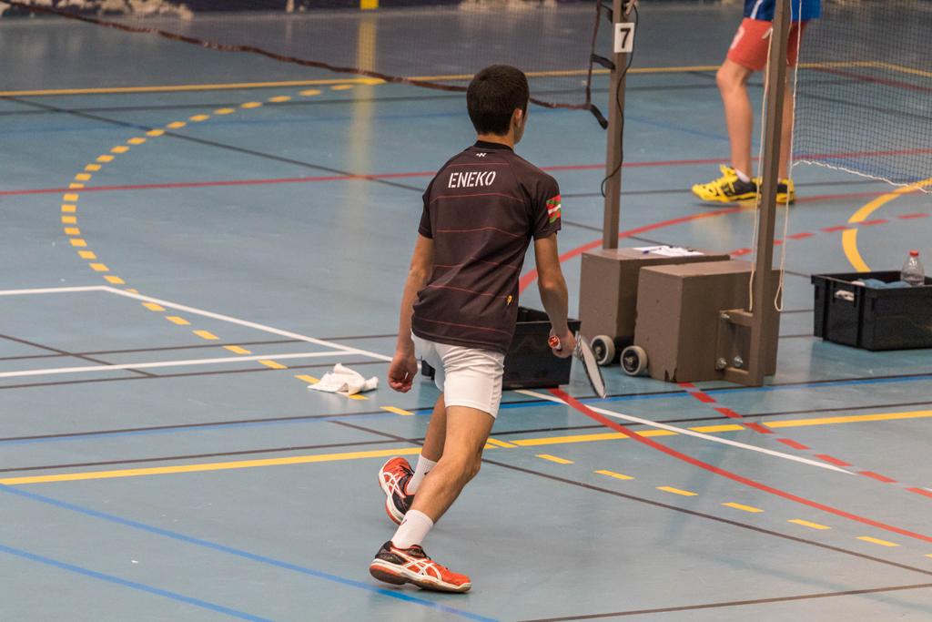30042017-badminton eneko 4